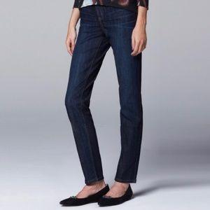 EUC Simply Vera Vera Wang Stretch Straight Jeans